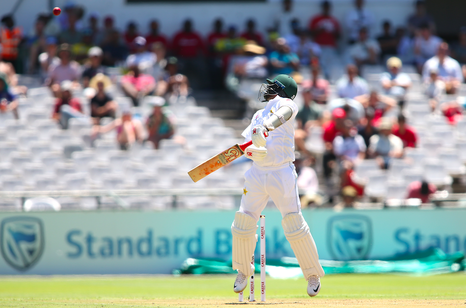 Proteas batter Pakistan before lunch