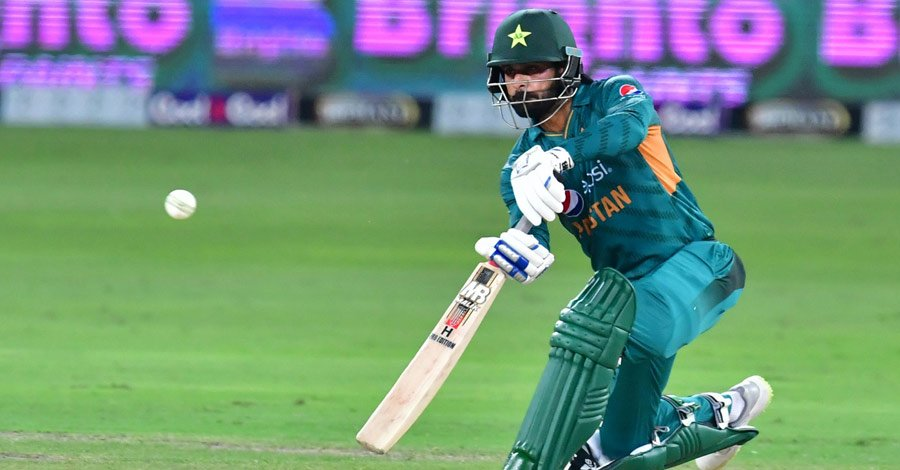 Hafeez injury casts doubt on WC participation