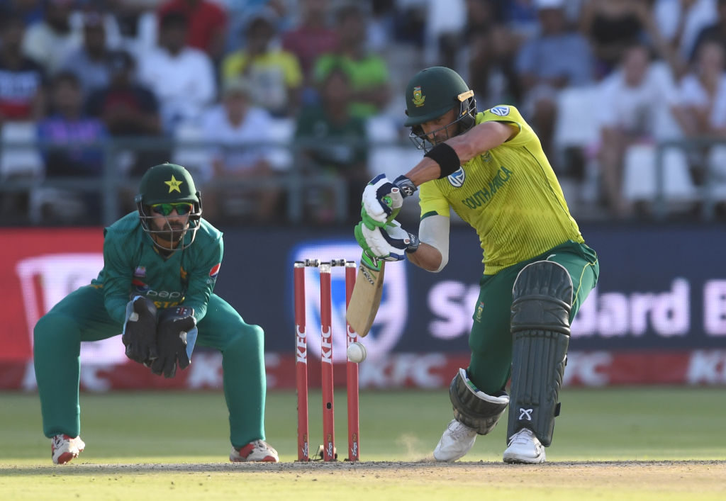 Reeza, Faf score superb 70s before Pakistan fightback