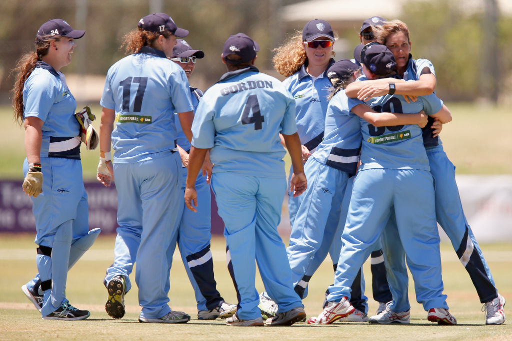 Extras, extras! Aussie side top-scores with extras, 10 ducks
