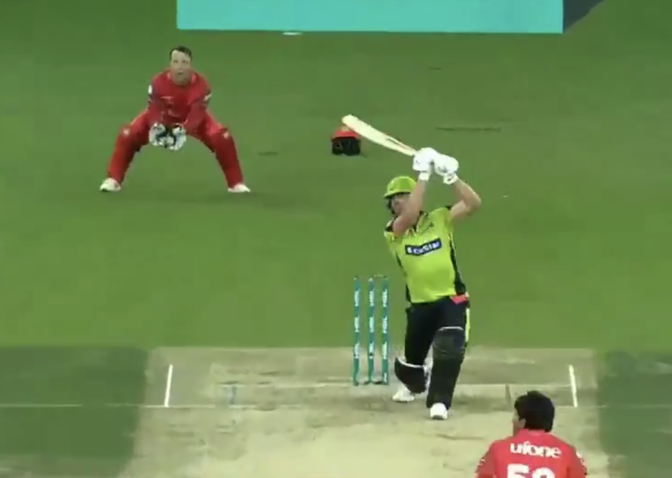Islamabad snatch victory from AB's Qalandars