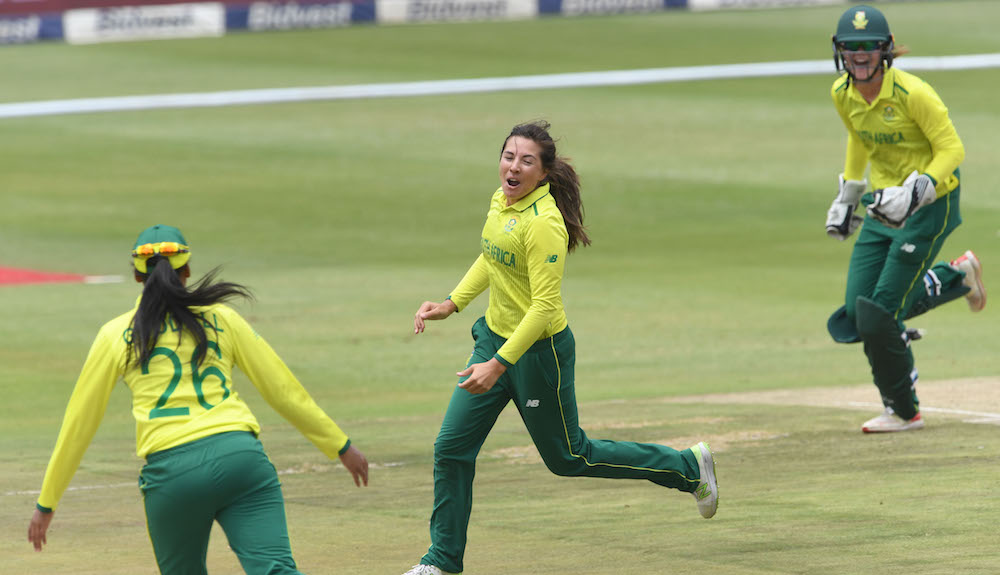 Proteas Women put in composed win