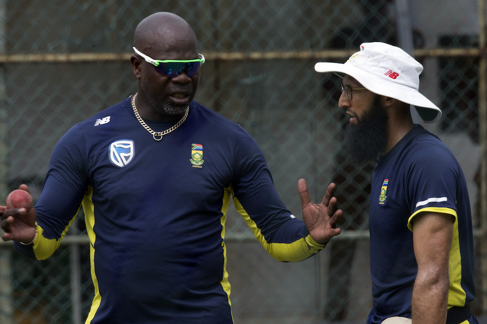 Gibson: Proteas will pick on form first