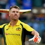 Warner sets up crushing win
