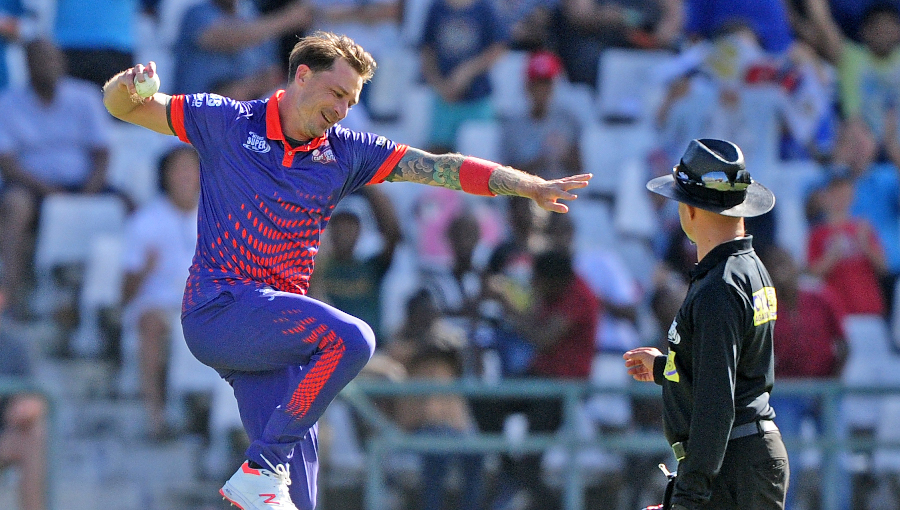 Steyn glad to dismiss 'best in world' AB