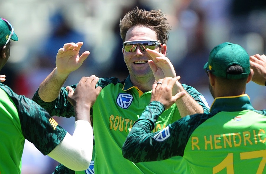 Smuts braces for 'best side in the world'
