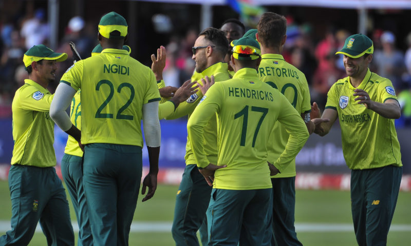Bowlers steer Proteas to PE win