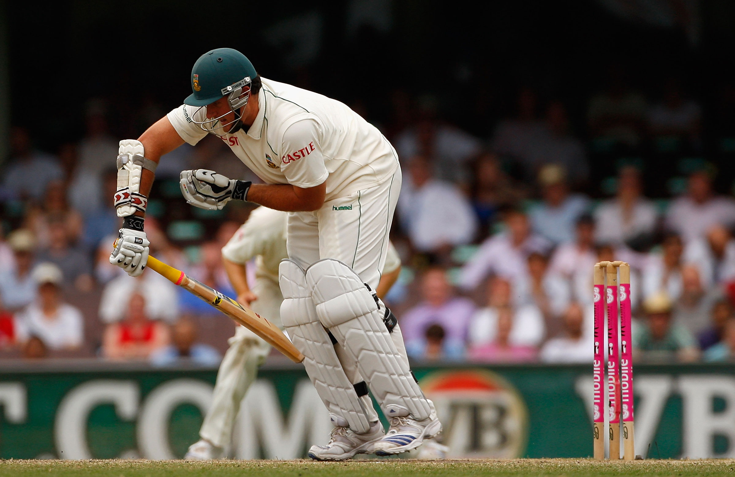 Watch: The day Graeme Smith batted with a broken hand at the SCG