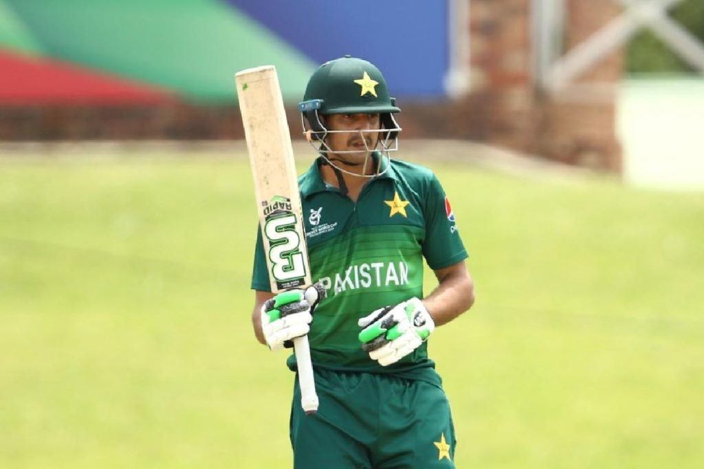 Pakistan include 19-year-old for England tour