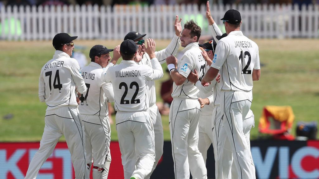 Southee double gives New Zealand hope