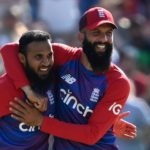 England leave Pakistan in a spin to level T20I series